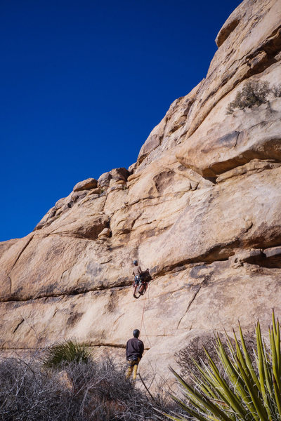 Rock Climbing Photo: Negotiating the first portion.