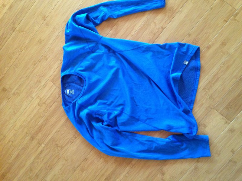 base layer top (sz small)