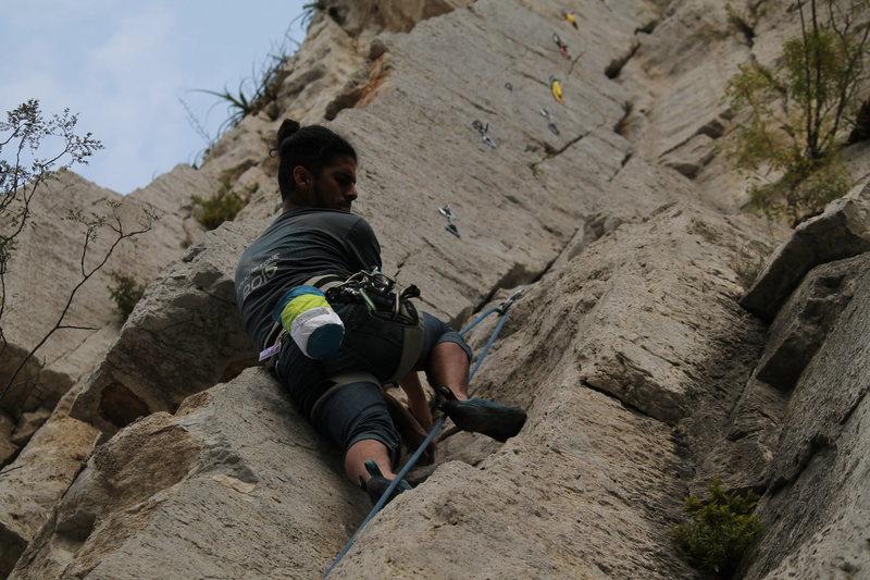 Alejandro Lozano leading on the crack.<br> <br> Photo by Erick Santos