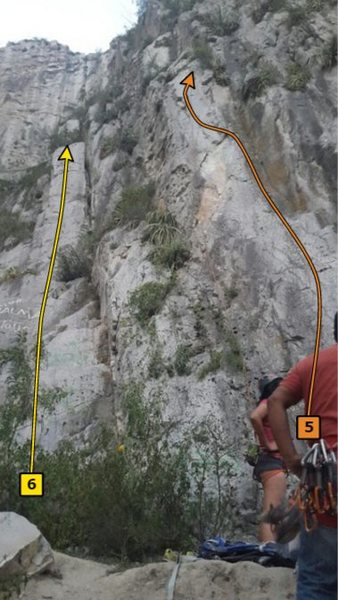 Beta of Entre Salma y Toño and Unknown route on the right
