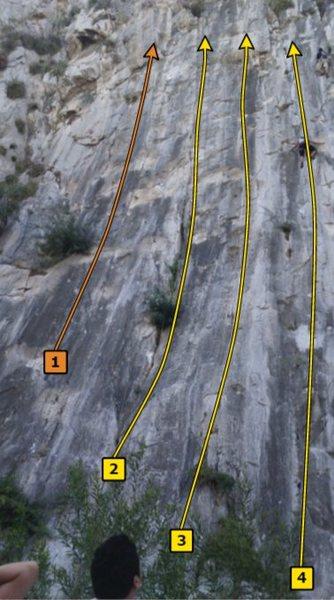 Routes on La Ultima Pared