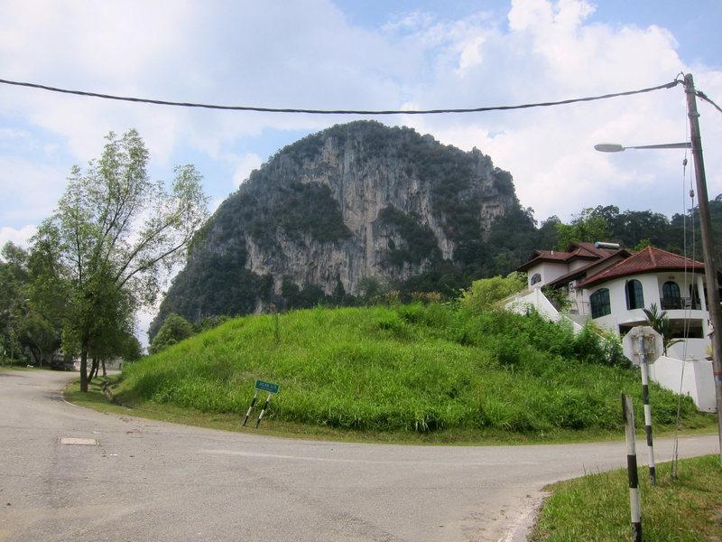 Rock Climbing Photo: From the approach through the housing development