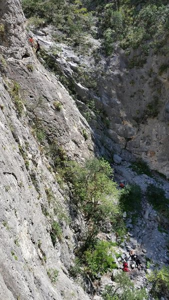 La Ola is a nice wall to hang out and do some easy to moderate routes. <br> <br> The two climbers are at the anchor for one of the easy climbs on the far right, either Pansy Cap (5.6) or Gospel Bird (5.7)<br> [photo taken from Espantasuegra]