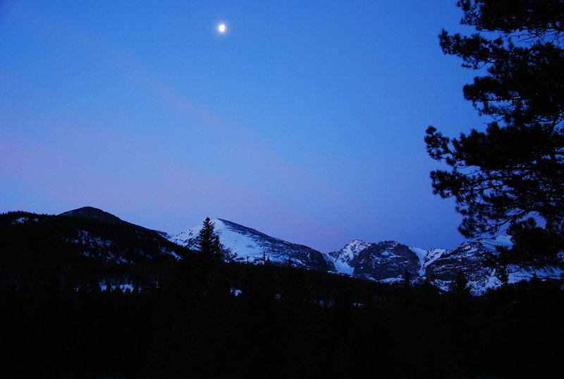 Moonset taken from Bear Lake Rd. en route to the Glacier Gorge TH.