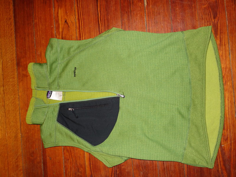R1 pullover vest