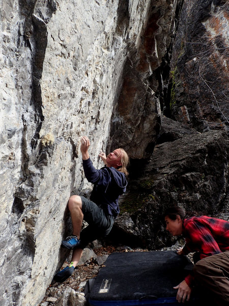 Rock Climbing Photo: reaching for the 2nd move sidepull. photo by Tomon...