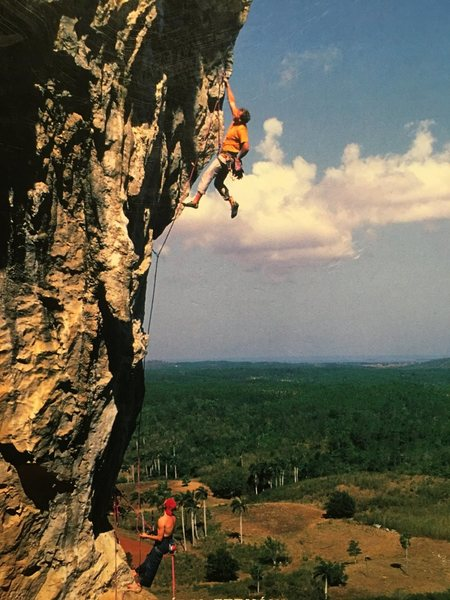 Rock Climbing Photo: Mucho Pumpito, 6B La Costanera (Credit: Andrew Bur...