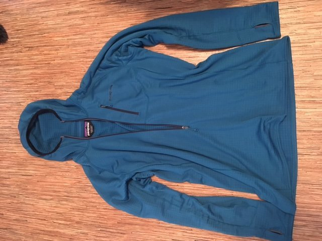 Rock Climbing Photo: Mens XL R1 hoodie, blue