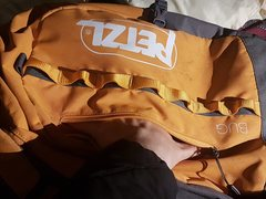Really large front pocket for guidebook, snacks, phone or anything that needs to be accessed quickly