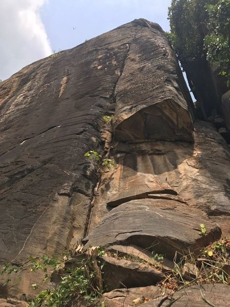 Rock Climbing Photo: Bat crack (l) and Bat chimney (r)