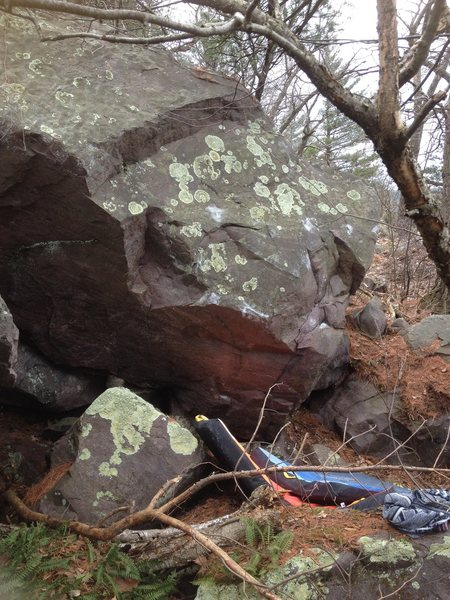 Rock Climbing Photo: Starts matched on rail from a sit, then heads slig...