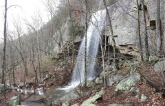 Rock Climbing Photo: Waterfall and creekbed with a view of Clodhopper t...