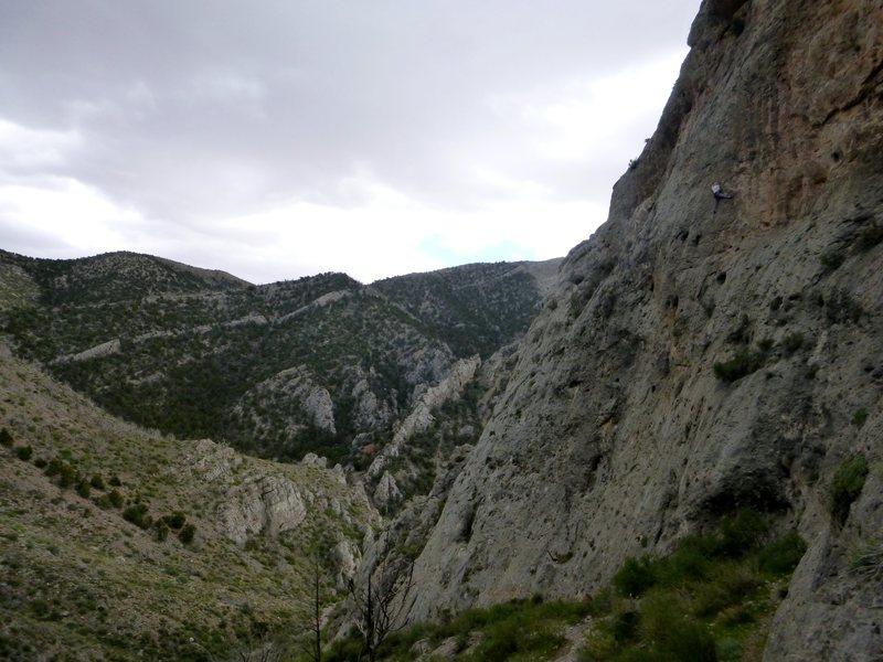 Rock Climbing Photo: Easy slab climbing to 4 bolts of 11- pockets.  Lon...