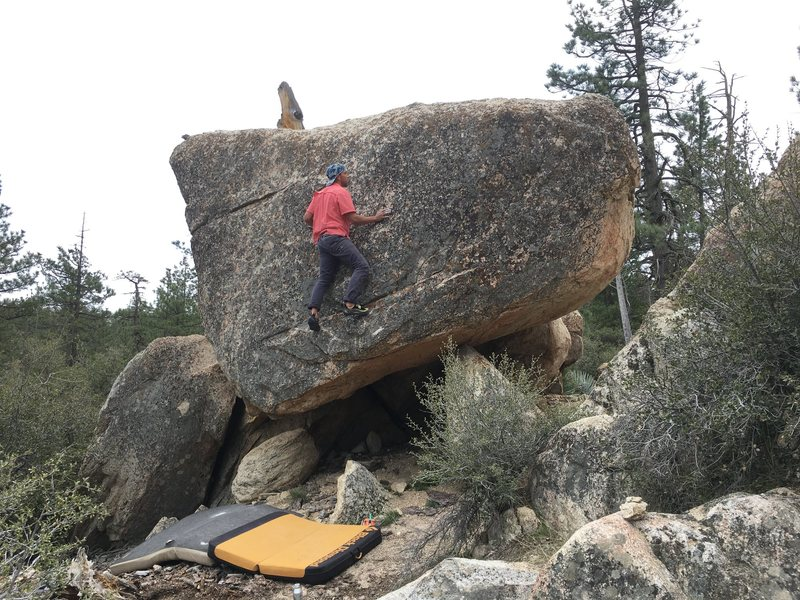 Rock Climbing Photo: Victor on A Boulder in the Teflon Presidents area ...