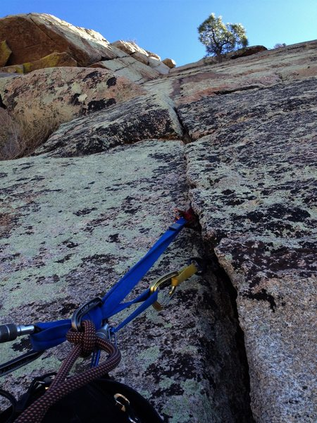 Rock Climbing Photo: Looking up the second pitch from the ledge belay a...