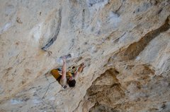 Rock Climbing Photo: Clippin' on Speaking in Tongues. Photo- Kim Mc...