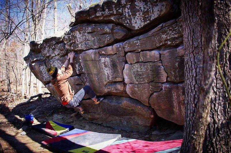 Rock Climbing Photo: Lowrider Traverse (V2) | Photo: Jordan Hyzer