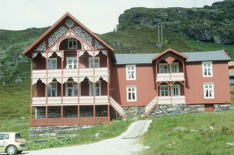Rock Climbing Photo: Turtagro Lodge - the original lodge, (behind the m...