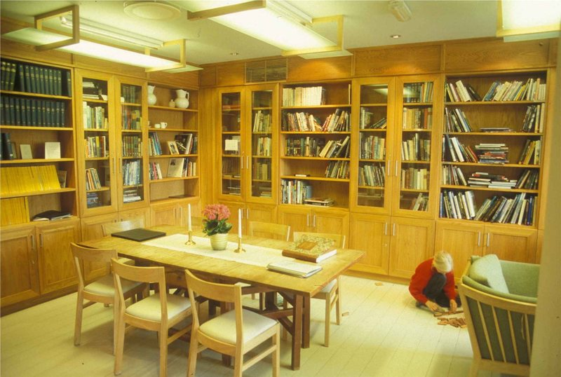 Library at Turtagro Lodge