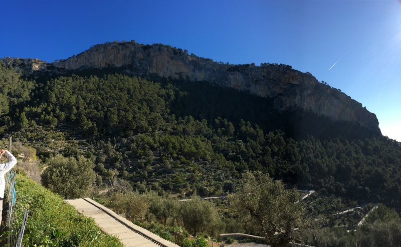 Pano of the whole Alaro crag