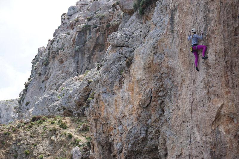 Kiersten climbs Tomboy.