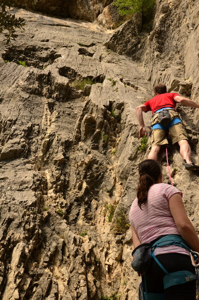 Rock Climbing Photo: Starting up the easy corner of Tac.