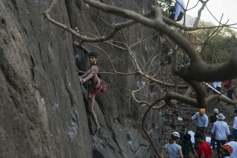 Rock Climbing Photo: Irfan Shaikh on crux of  Alernative facts