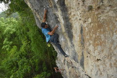 Rock Climbing Photo: Eduardo Merced on Shanghai Bombay after it was re-...