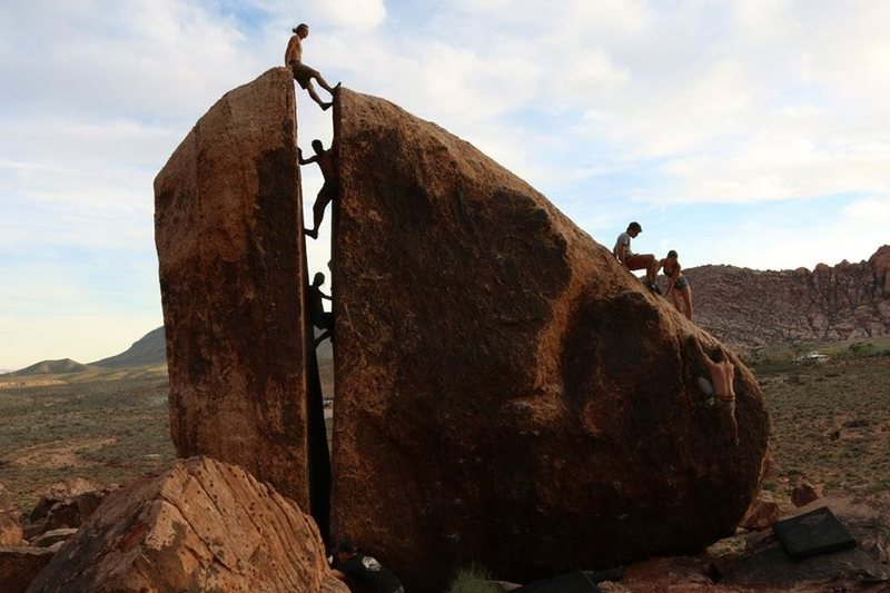 Rock Climbing Photo: There were 11 of us in the crack at one point!