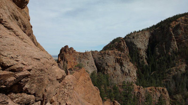 Rock Climbing Photo: Great view of The Pinnacle West Face from the top ...