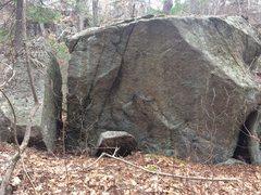 Rock Climbing Photo: Weetamoo (Tombstone Boulders) - W34.