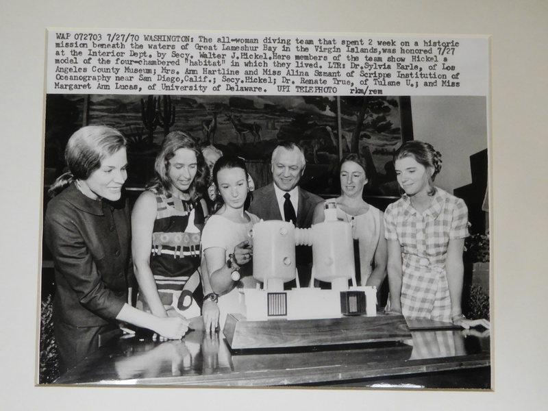 1970 photo of the female scientists that staffed Tektite II.