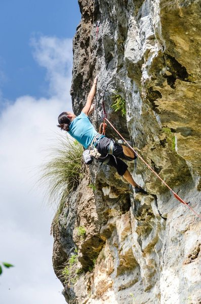 Rock Climbing Photo: Stephanie Kwan makes big moves on 'Ship of Foo...