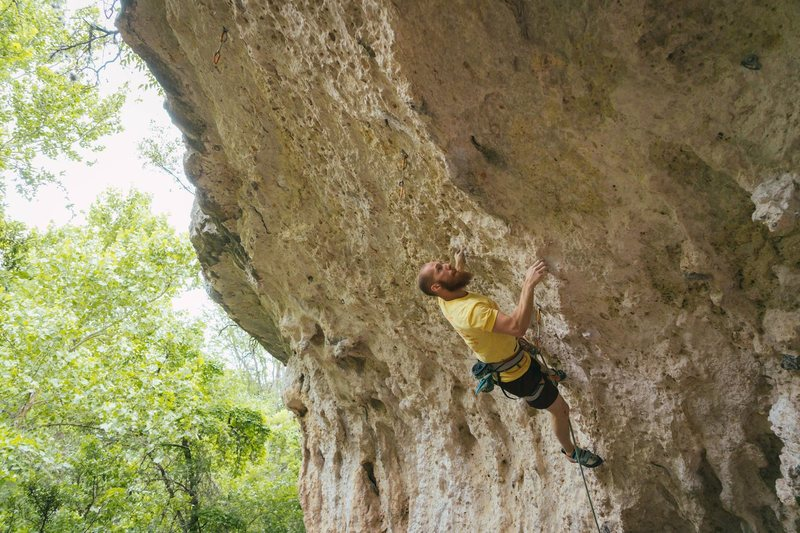 Jesse Bruni sizing up the crux of &#39;Lucky Strikes&#39;<br> <br> Photo by Travis Perkins