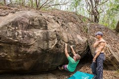 Rock Climbing Photo: First Ascent of V2 (not yet named) at Monster in t...