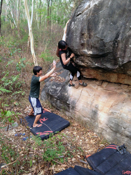 Rock Climbing Photo: V1 warm up, Gate Keeper boulder
