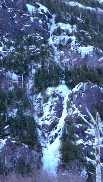 Rock Climbing Photo: Both pitches of White Line Fever with Crystal Ice ...