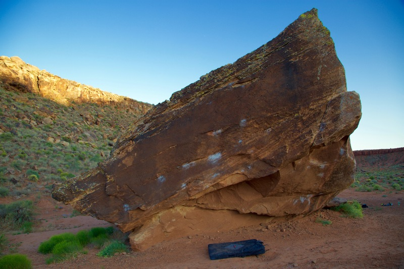 Rock Climbing Photo: Ripploid boulder in Moe's Valley