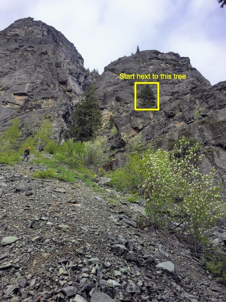 Rock Climbing Photo: View of the approach. Lots of loose gravel/kitty l...