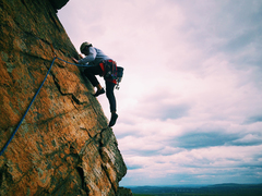 Rock Climbing Photo: Chris Gregory on the final traverse on Tee Dum (Ma...
