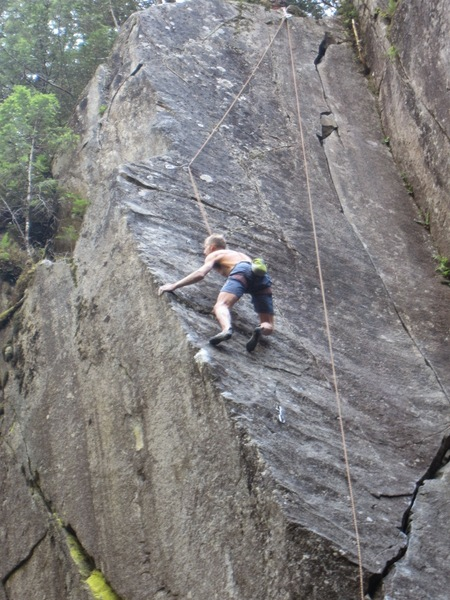 Rock Climbing Photo: Bo Earle, TRing Slapshot (12a). On the upper (11+)...