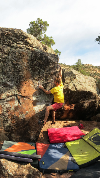 Rock Climbing Photo: Dyno to the elbow on Massover.