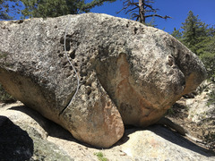 Rock Climbing Photo: Unnamed V1 on the O Boulder