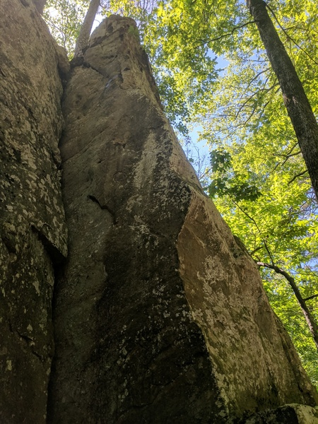 Rock Climbing Photo: Climbs the arete up to the chains