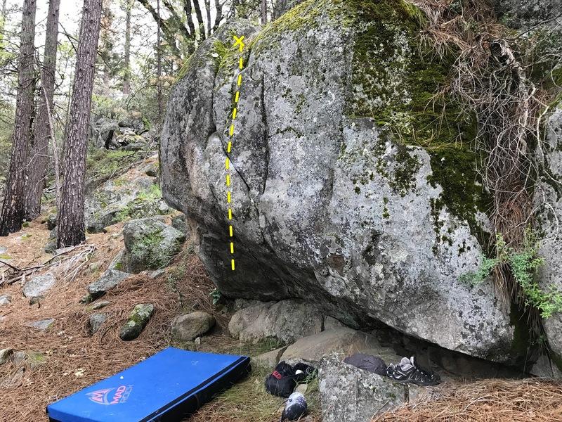 Rock Climbing Photo: Alternative view, notice the big rail that marks t...