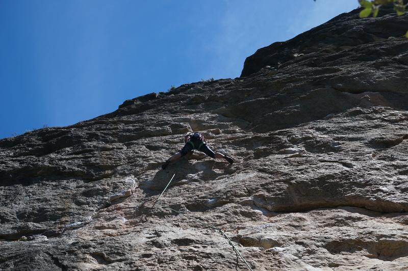 Rock Climbing Photo: Viv cruxing