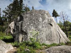 Rock Climbing Photo: Feche and BSE boulder
