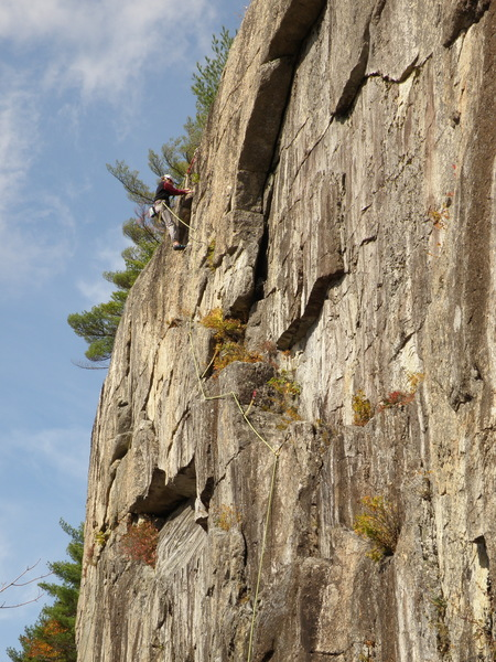 Rock Climbing Photo: The upper part of Heavy Weather Scaling.