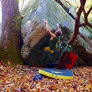 Rock Climbing Photo: Get in yer box (V7/8) Looking Glass
