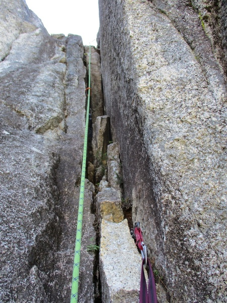 The short 5.8 chimney of Pitch 6. This can easily be combined with Pitch 5.